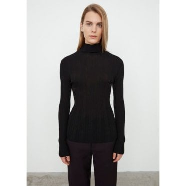 Narano Fitted Polo Neck