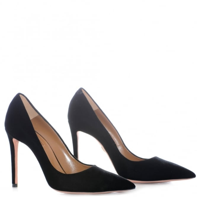 Simply Irresistible Velvet Pump